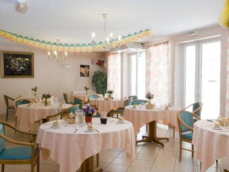 R sidence la provence votre maison de retraite allauch - Podologue salon de provence ...