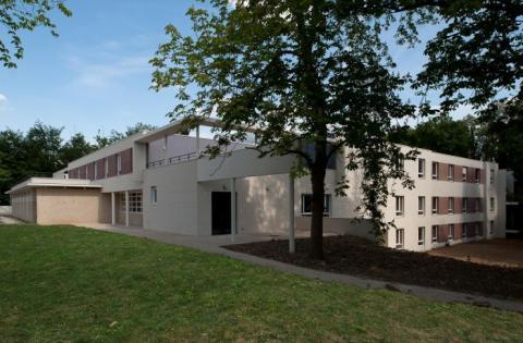 Proche Château de la fontaine aux Cossons : Résidence Les Côteaux de l'Yvette
